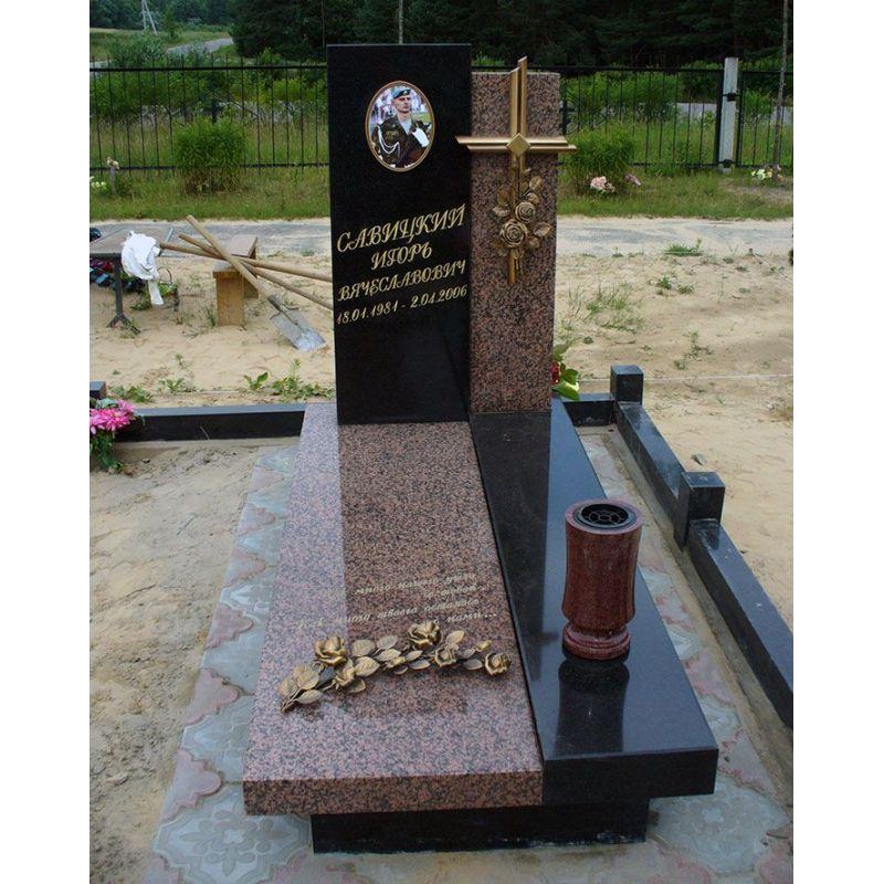 Памятник Роза из двух видов гранита Москва Эконом памятник Волна в камне Парфеньево