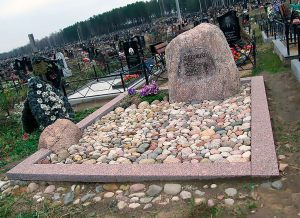 Камень на могилу