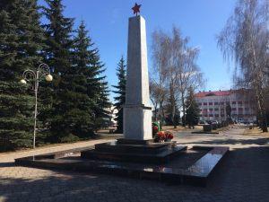obelisk-pobedy-iz-granita
