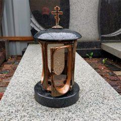 Гранитная лампада с православным крестом